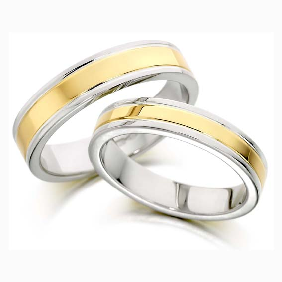 401 - Two grooves with yellow gold set in white gold.