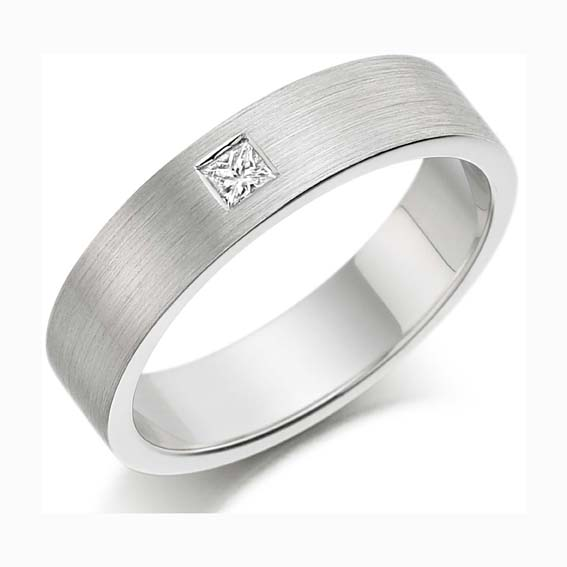 216 - Set with one princess cut diamond and a brushed finish.