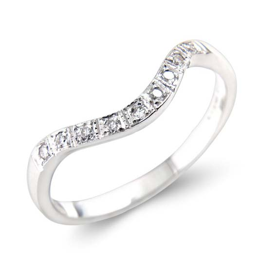 608 - Slight curve with pavé set diamonds.