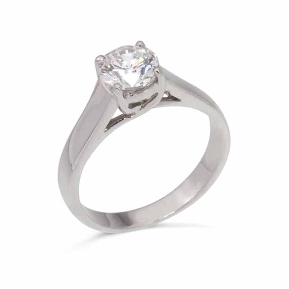 ER116 Solitaire diamond in a four claw setting