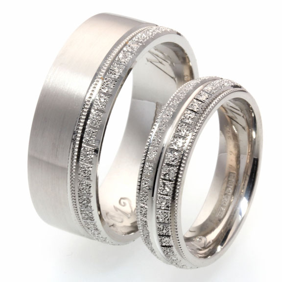 Diamond cut patterned wedding rings