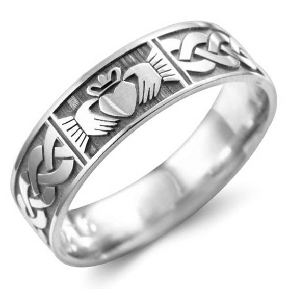 502 - Claddagh heart and celtic pattern.